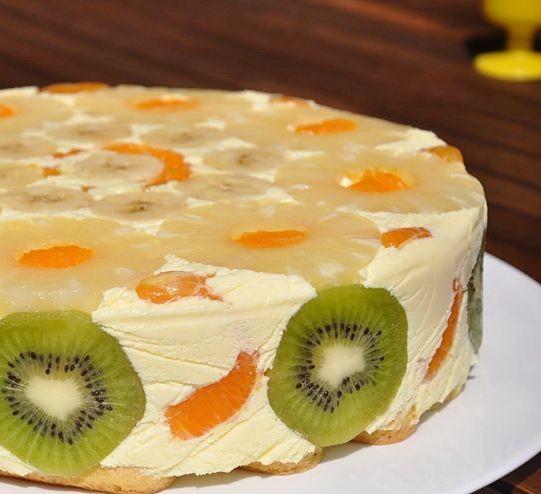 Cata gelatina se pune in tortul diplomat